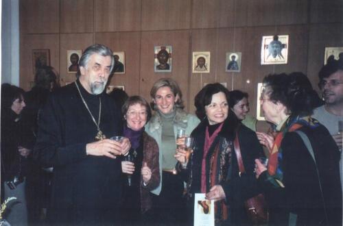 Père Boris à exposition d'icônes (2004)
