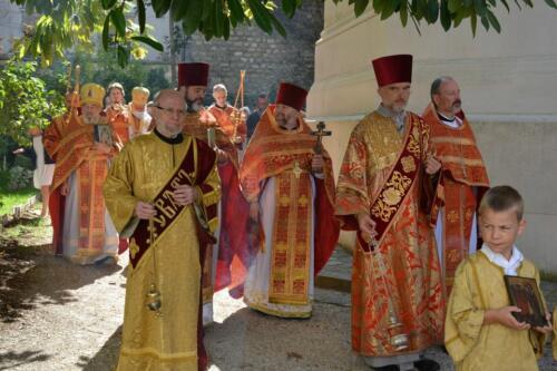 La procession avec Père Joseph et Père André